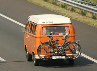 1976 Volkswagen T2B taken July 30th, 2014 by Niels de Wit (nielsautos on flickr) CC-by-2.0