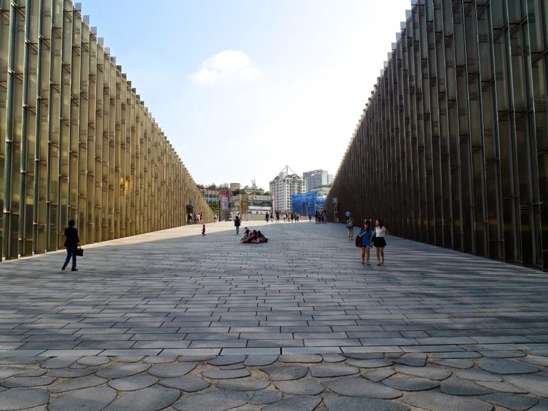 ewha university campus summer studies ecc seoul korea travel lunarrive blog singapore