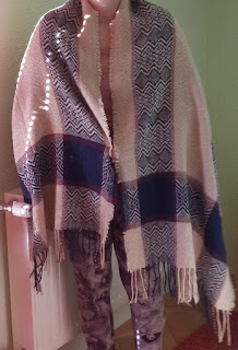 http://www.rosegal.com/scarves/stylish-ethnic-style-plaid-pattern-258339.html?lkid=10481