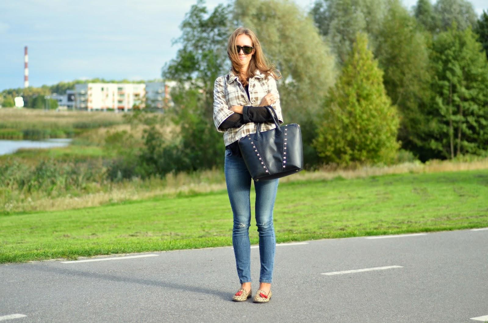 berchka-jacket-zara-jeans-leopard-loafers