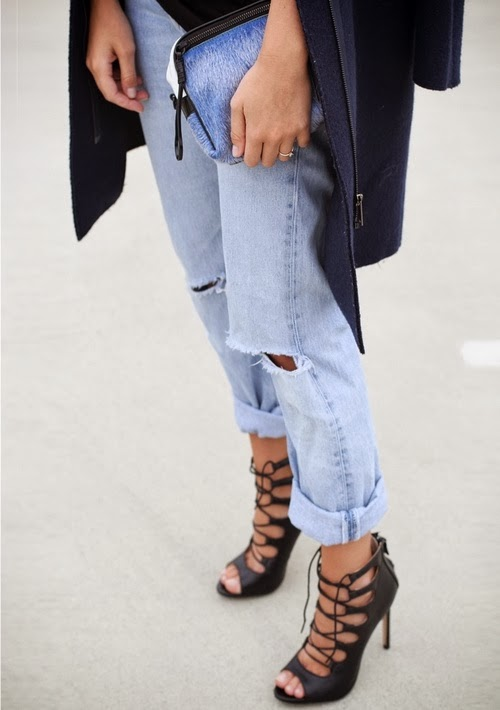 STYLE AND BEAUTY BY CONNIE Trend Ripped distressed boyfriend jeans