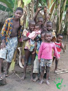 Bambini del villaggio di Atchanvé, Togo, Africa