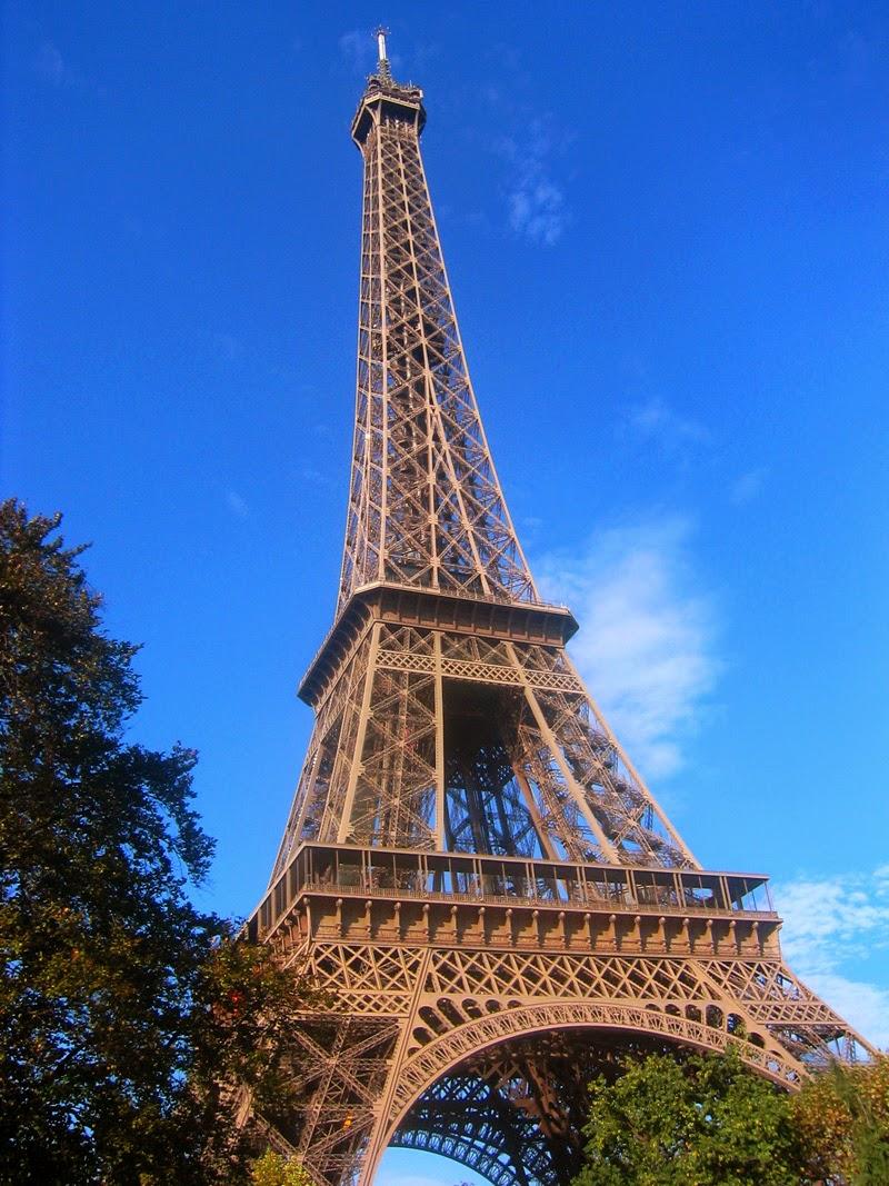 torre eiffel paris post descuentos alquiler coche francia