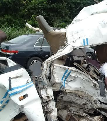 GRAPHIC PHOTOS ! Horrific accident on Lagos-Ibadan expressway .