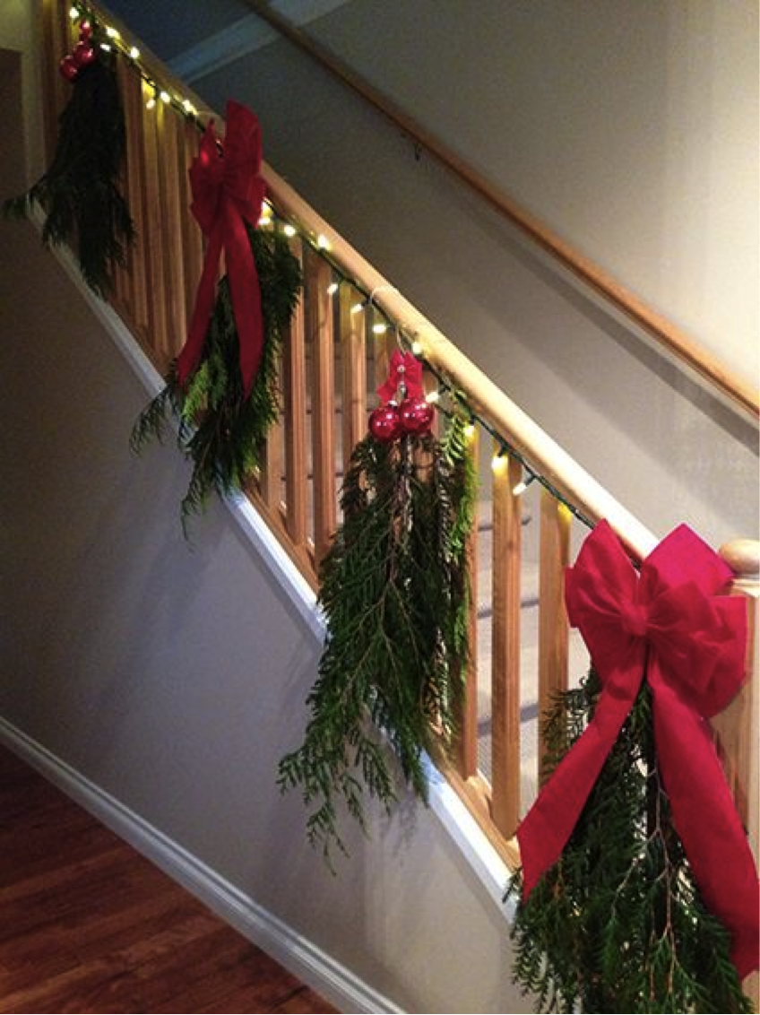 Christmas Staircase Ideas For Decorating My Staircase