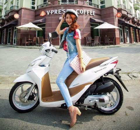 Xe tay ga Honda Vision (29,9 triệu đồng => 38,5 triệu đồng )