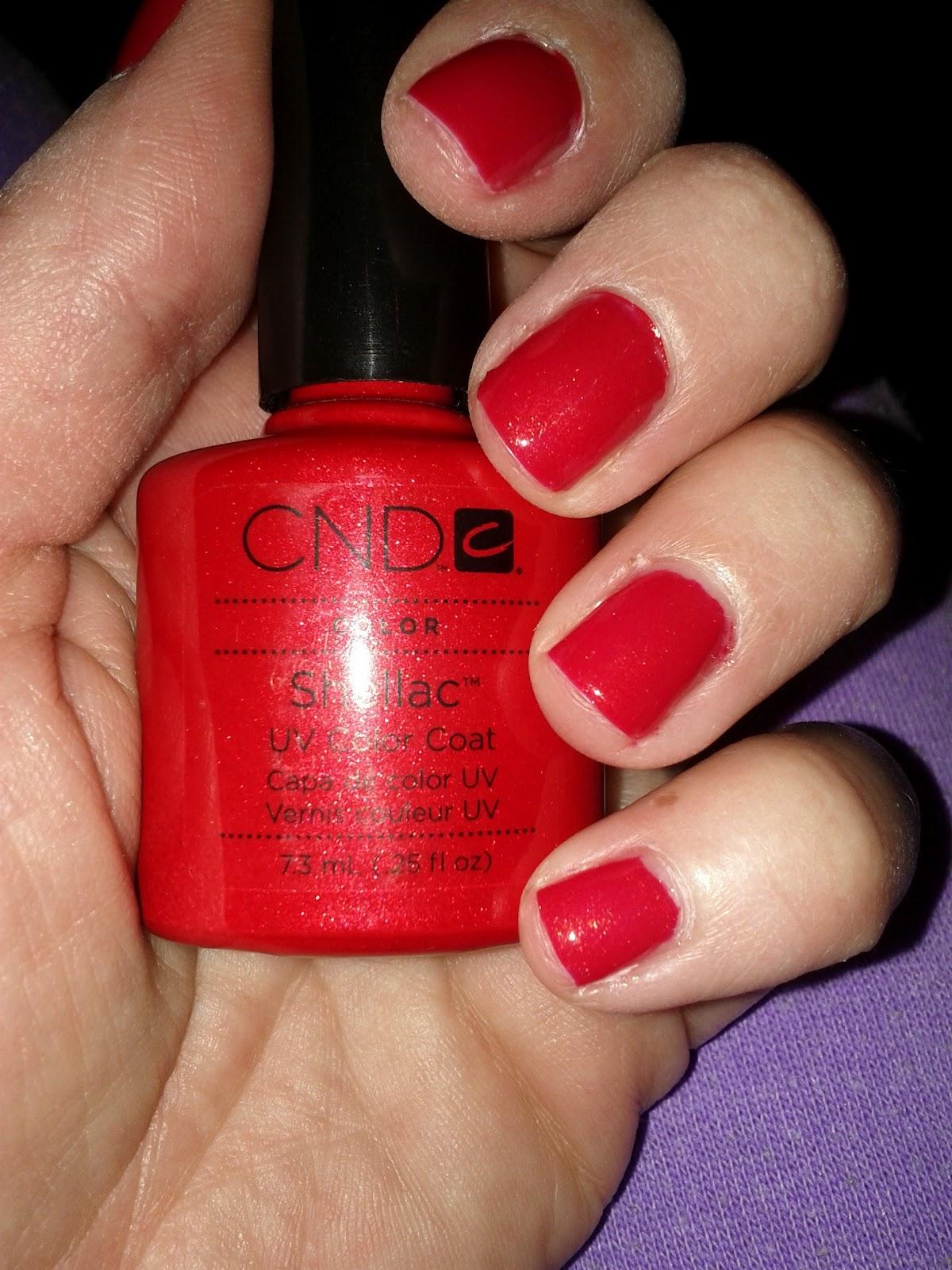 Шилак ногтей красный цвет