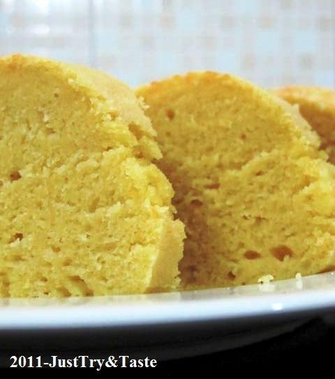 Cake Kukus Kacang Hijau & Keju Cheddar Parut