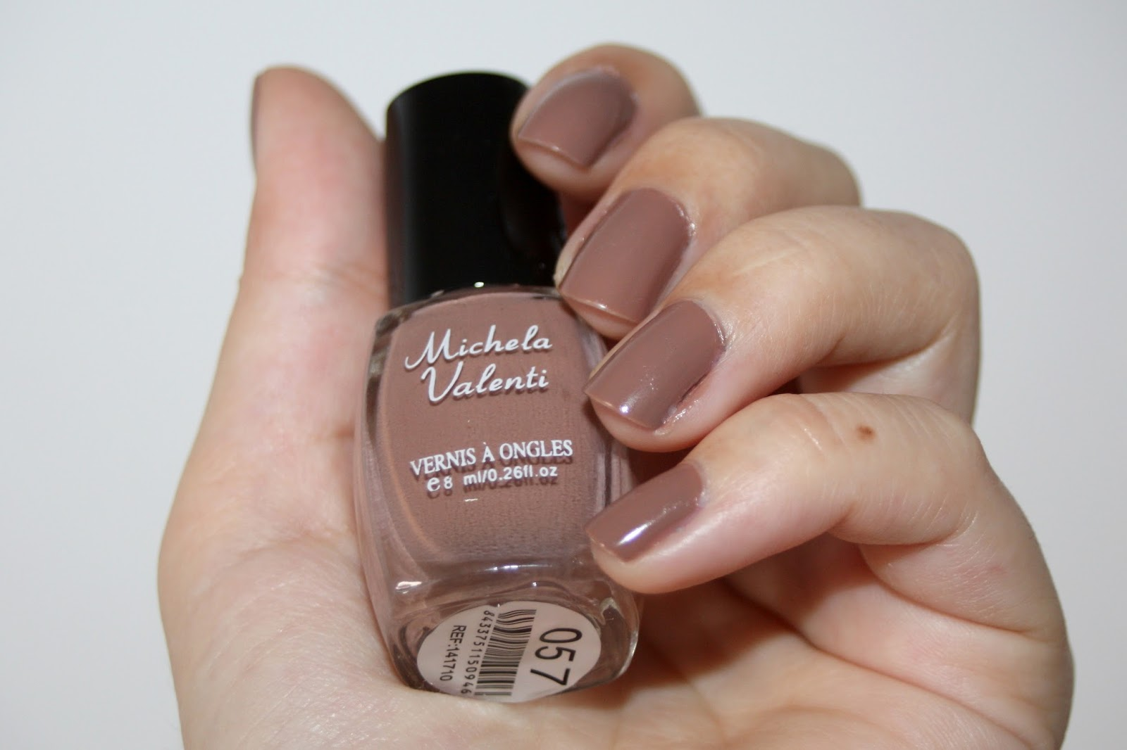 Super Make-up by Linoa: Le vernis marron glacé de Michela Valenti SZ63