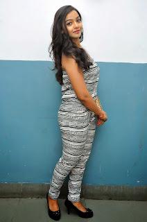 Nithya Shetty sizzling pics 005.jpg