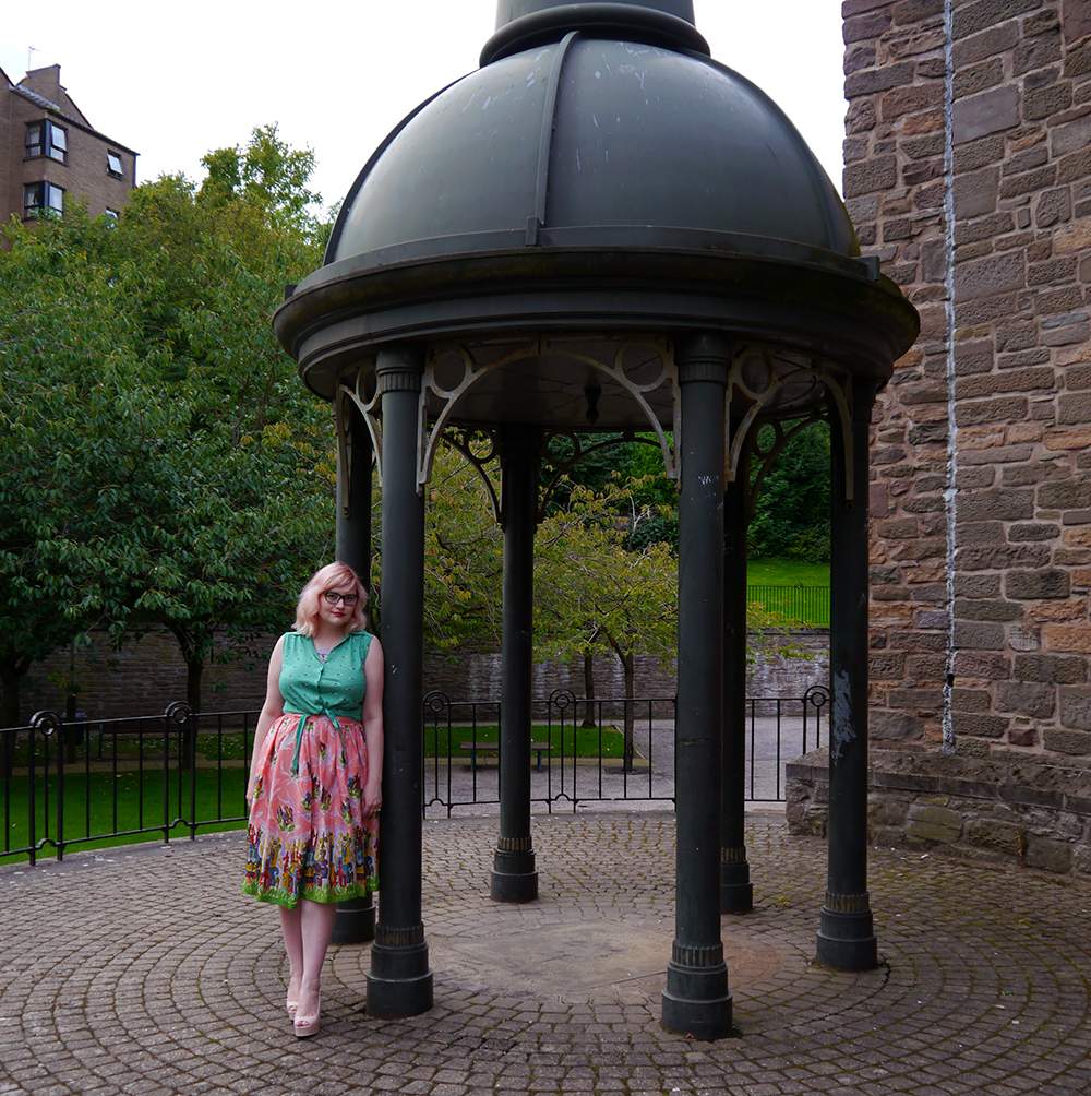 Nicely Eclectic, vintage clothing, Dundee photoshoot location, swing dress, BOB by DOP, H! Henry Holland, modern styling with vintage, pink hair, candy floss hair DIY
