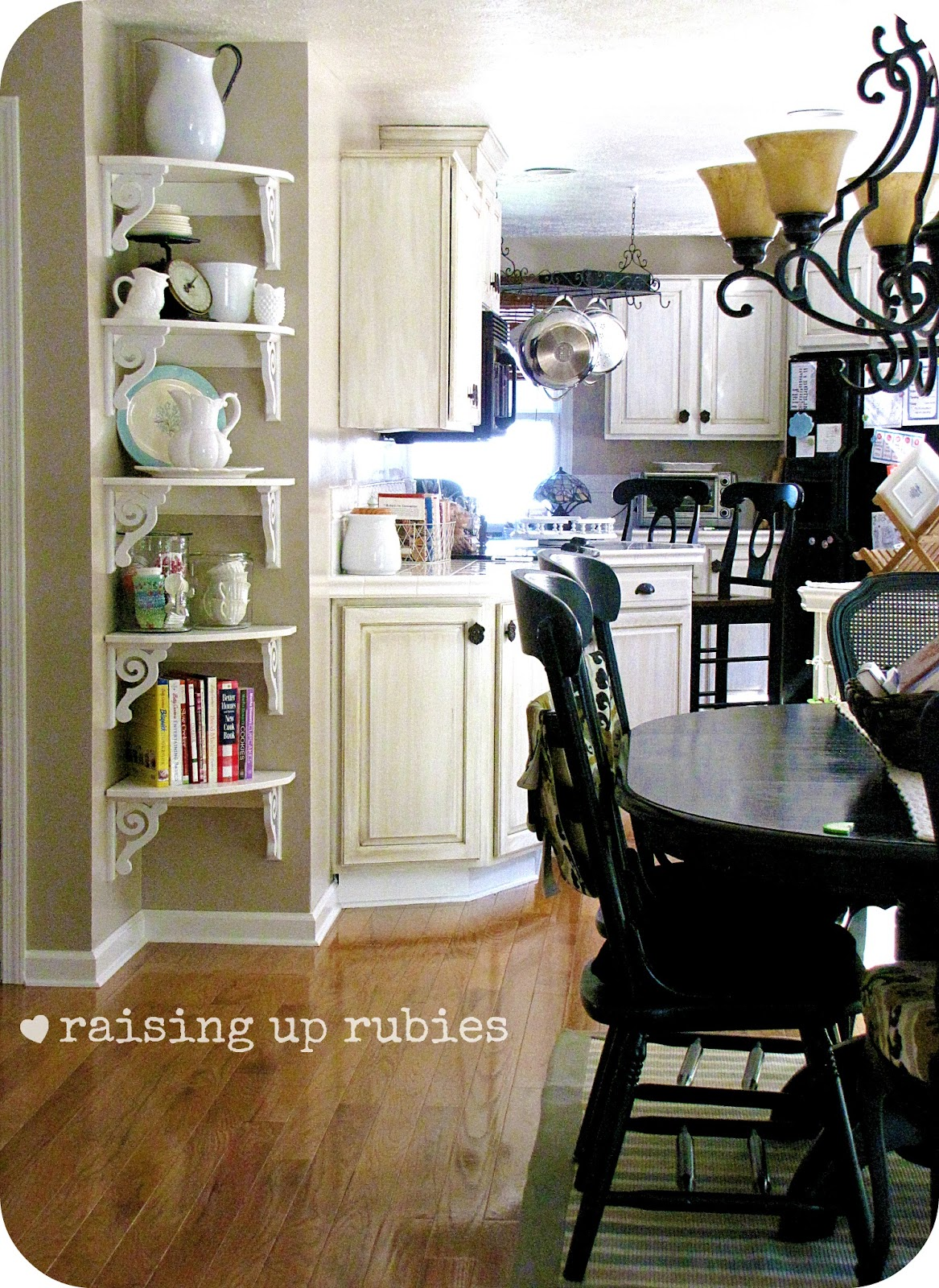 Retro kitchen shelves: vintage country kitchen decorating ideas ...