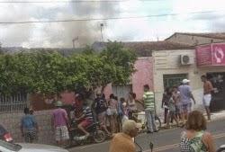 BARRA DE SANTA ROSA PB: Casa pega fogo e assusta moradores