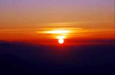 Mercury falls minus 3 degrees Celsius in Tiger Hills, visitors miss sunrise