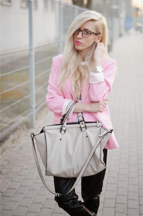 http://vesst.com/ca-women-s-outerwear_003/