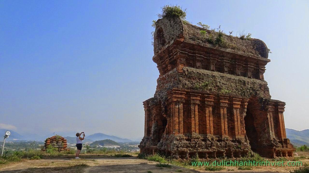 Tháp Bánh Ít, Bình Định