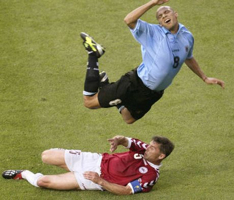 Funny football picture . funny football image