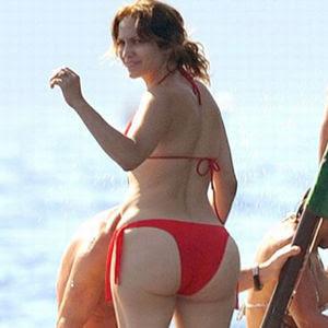 Jennifer Lopez Sexiest Bikini Pics - LATINA