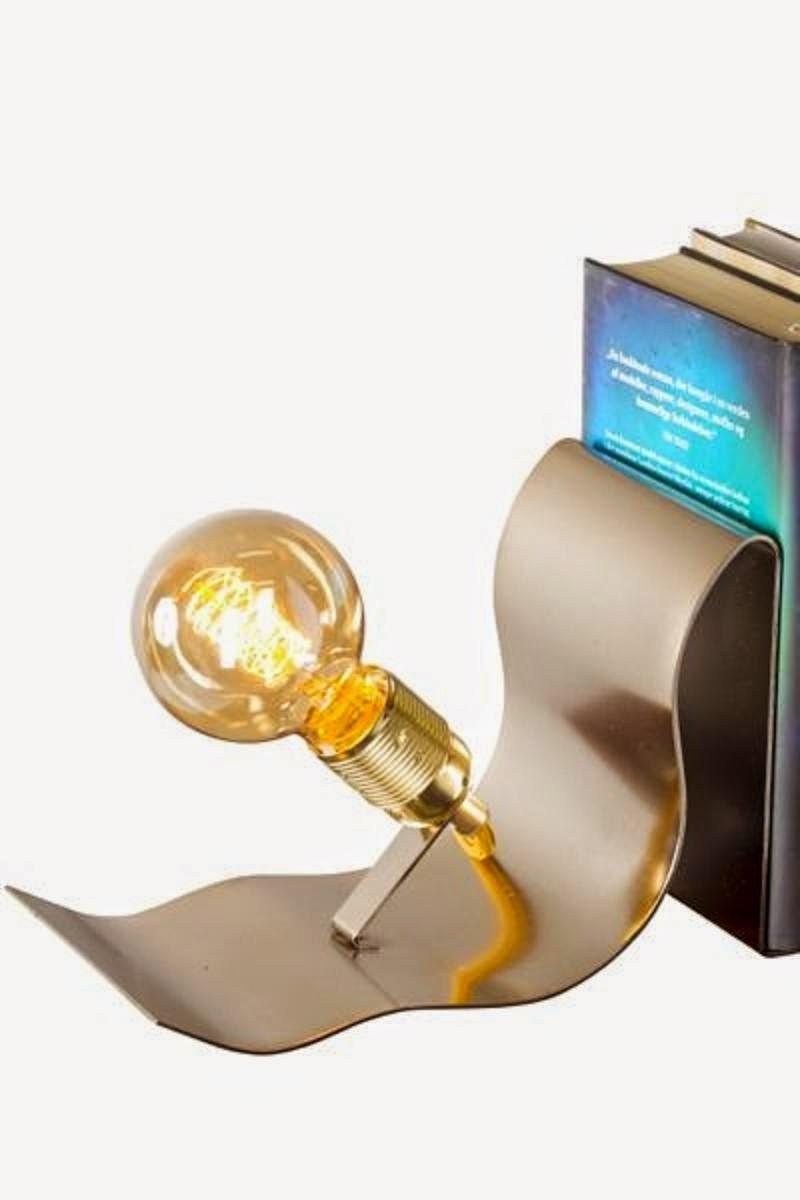 Lean on Me_ bordlampe og bogstøtte_køb lamper og belysning online hos House of Bæk & Kvist