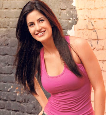 Katrina Kaif Looking Spicy as Chikni Chameli