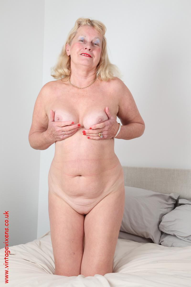 porn pics of little sister naked