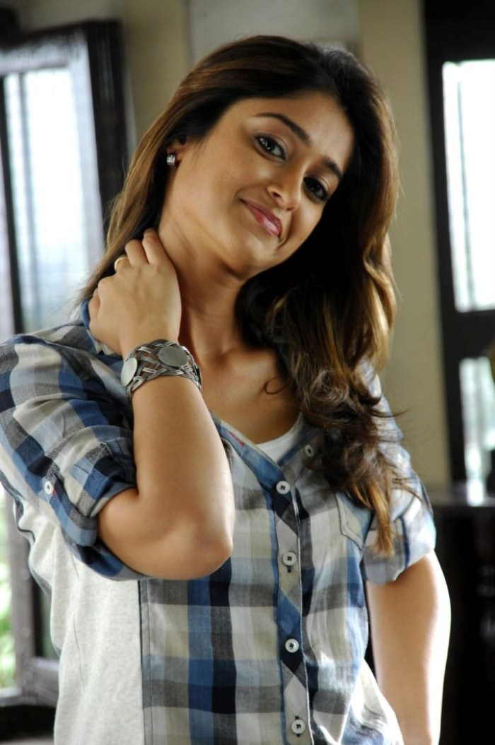 Ileana Spicy South Actress Stunnign Beauty