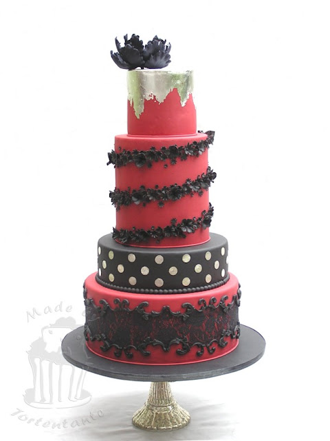 Wedding cake black red silver essbare Spitze lace decor