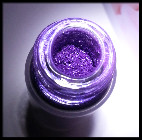 MAC Pigment in Violet