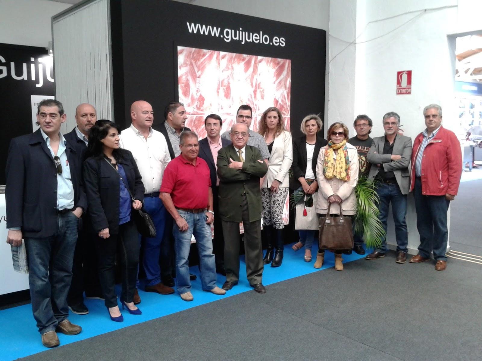 responsables y cargos de los socialistas en la feria chacinera de Guijuelo