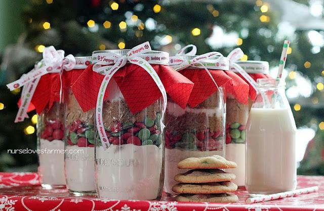 Christmas Cookie in a Jar