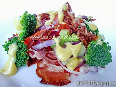 Salata de broccoli cu bacon reteta