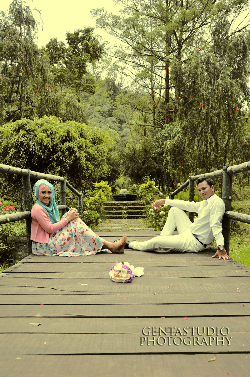 Model Foto Prewedding Outdoor
