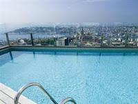 the-marmara-pera-oteli-terasta-havuz-açık-istanbul