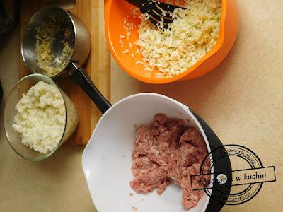 składniki na gołąbki ryż kapusta smażona cebulka mielone wieprowe wieprzowina cook kucharz paweł mechanik w kuchni