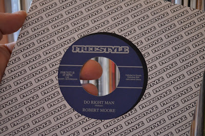 Robert Moore  – Make It Alright / Do Right Man  2007(Freestyle Records)