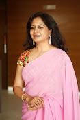 Singer Sunitha dazzling saree photos-thumbnail-6