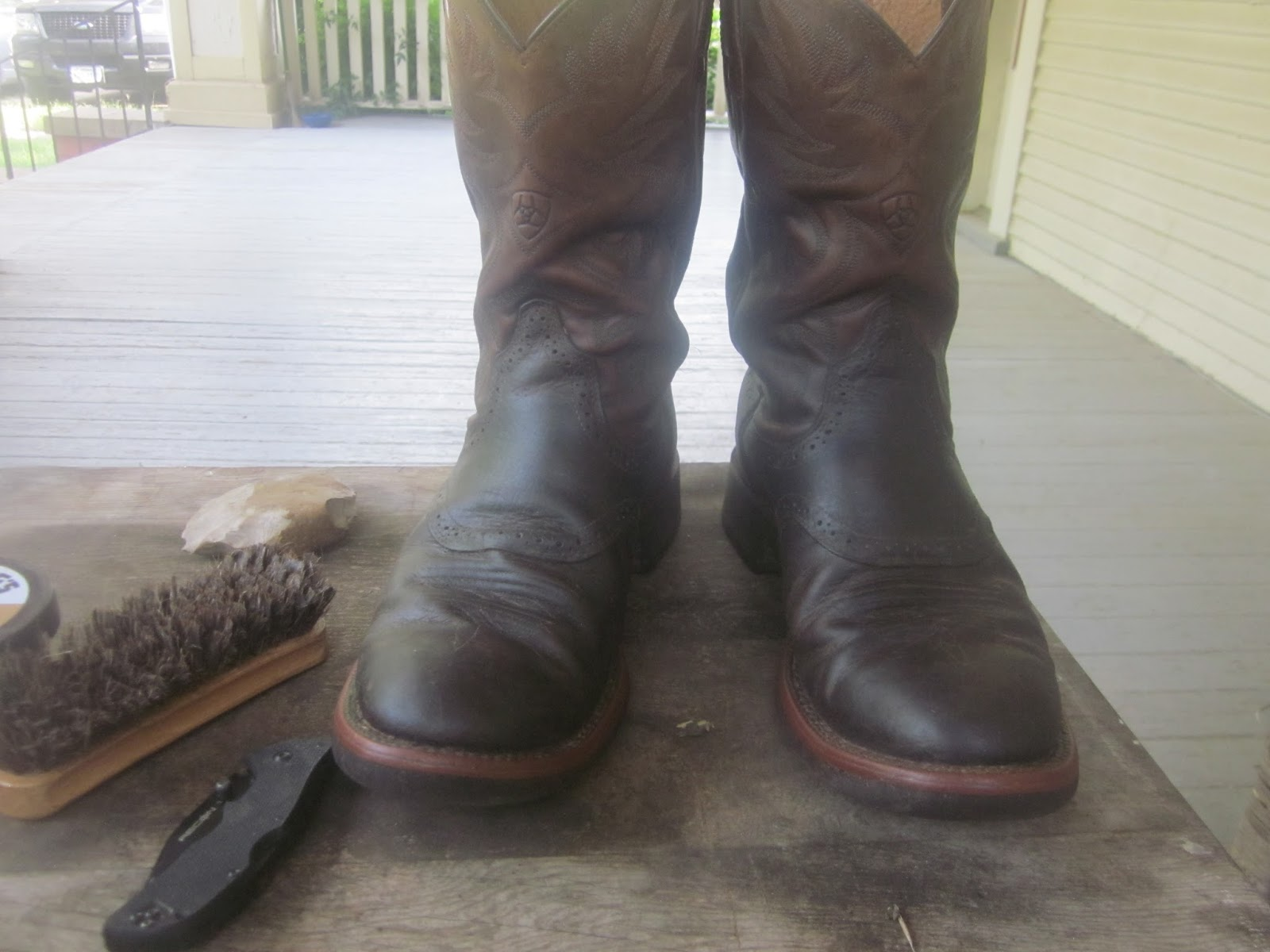 Lone Star Parson: Boot Review: Ariat Brown Bombers