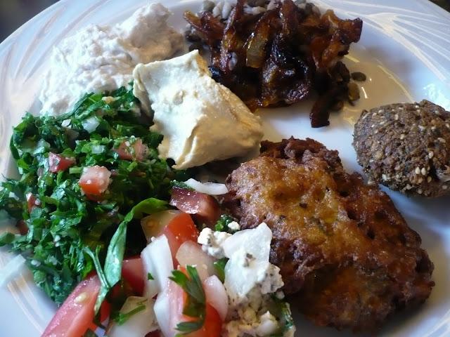 celle qui cuisinait ou le plaisir de cuisiner meze bar meiser buffet libano syrien parfait. Black Bedroom Furniture Sets. Home Design Ideas