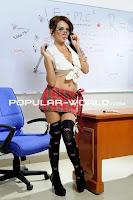 Foto Anggita Sari (Teacher Unifrom) di Majalah Popular