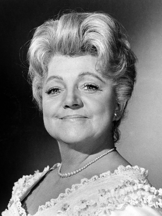 Hermione Baddeley Net Worth