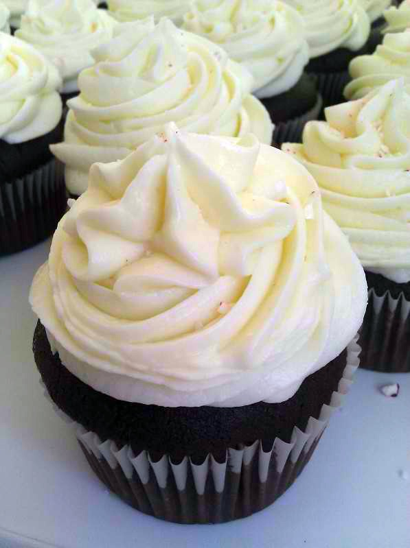 ... More: Gingerbread Cupcakes With Eggnog Butter Cream Frosting Ho Ho Ho