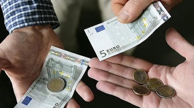 Η γενιά των 100 ευρώ με μεροκάματα των 2 ευρώ την ώρα – χιλιάδες Έλληνες  αλλα οι funpage και ιστοσελίδες των κομμουνιστοσυμμοριτών την ίδια θέση!