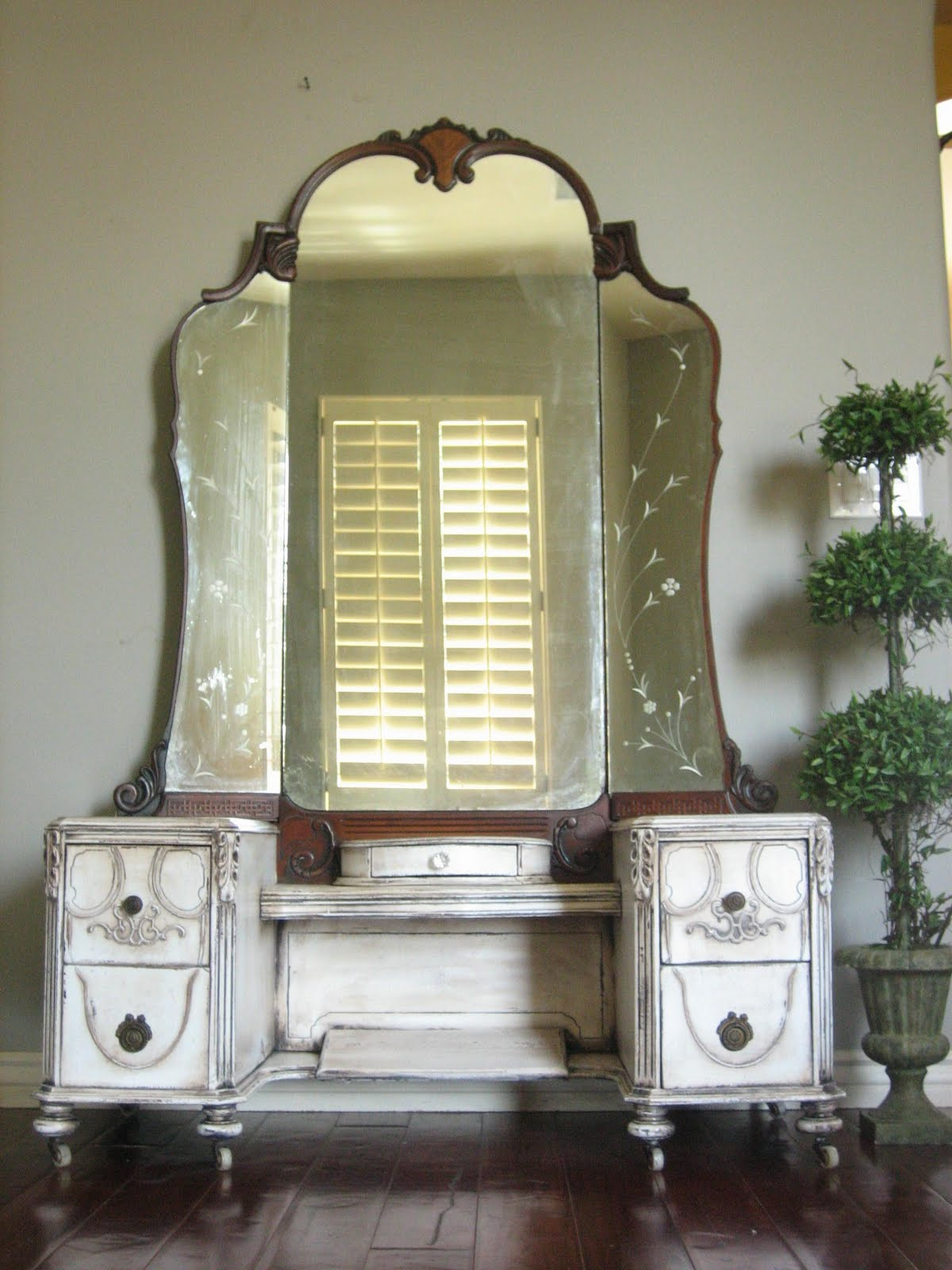Antique Dressing Vanity - European Paint Finishes: Antique Dressing Vanity
