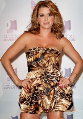Alicia Machado en Premios Juventud 2012