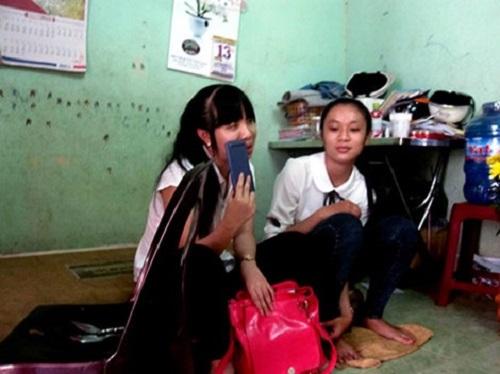 Gia Lai: Công an chở hai thí sinh bị mất giấy tờ đến tận phòng thi