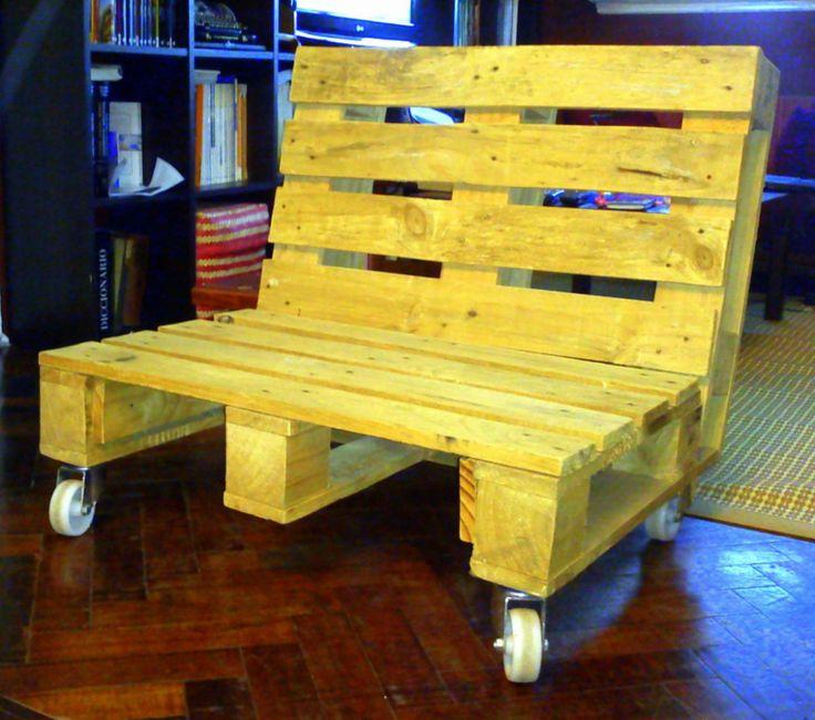 Reciclar reutilizar y reducir sillones con palets usados for Sillones con palets de madera