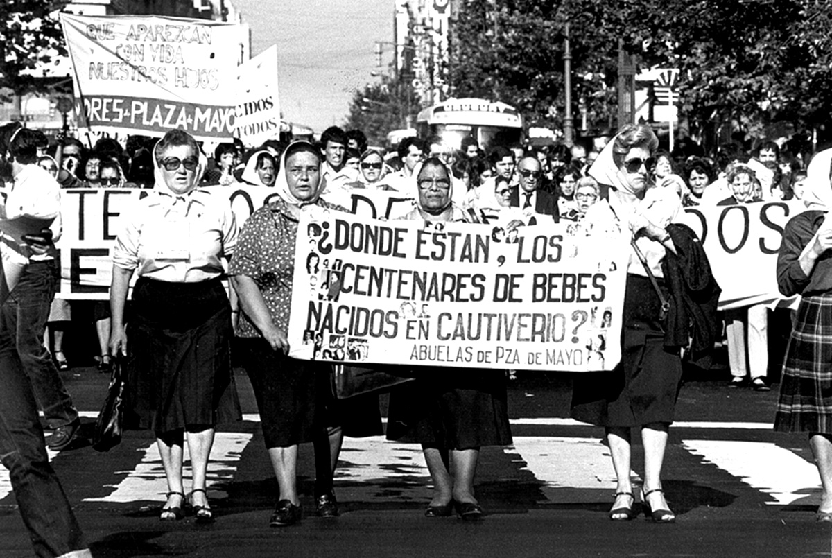 U.s Military Ads Las Madres de La Plaza...
