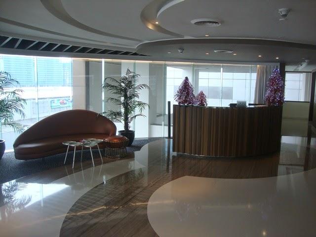 F1 HOTEL MANILA LOBBY, HOTEL LOBBY, FORT HOTEL