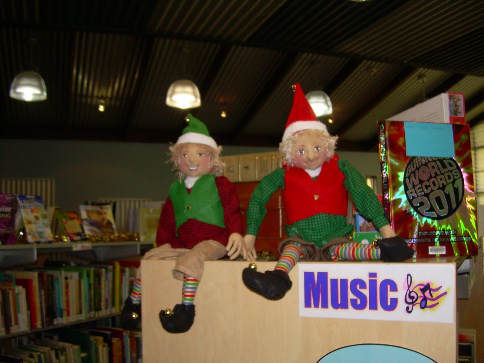 http://2.bp.blogspot.com/-OIO7FxTjMlU/TuvPUldGX2I/AAAAAAAAAKE/UmGHLp9qU6A/s1600/Christmas%2Belves.jpg