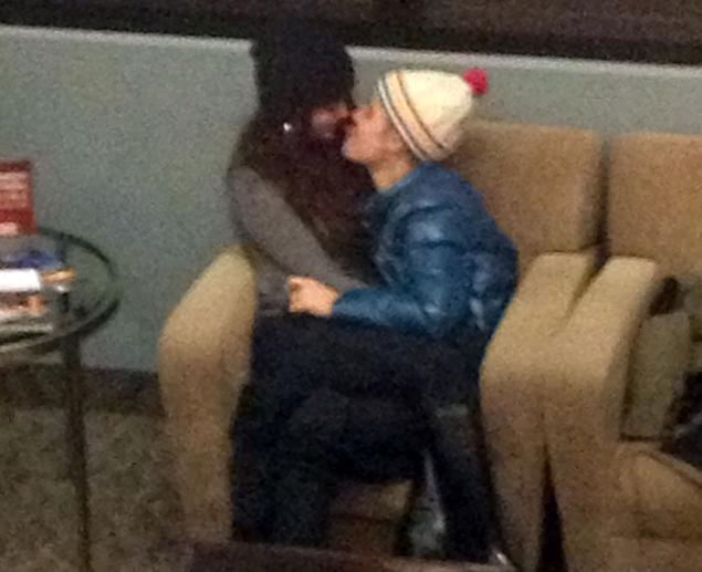 Justin Bieber And Selena Gomez Kissing In Bed